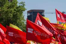 iguales flags